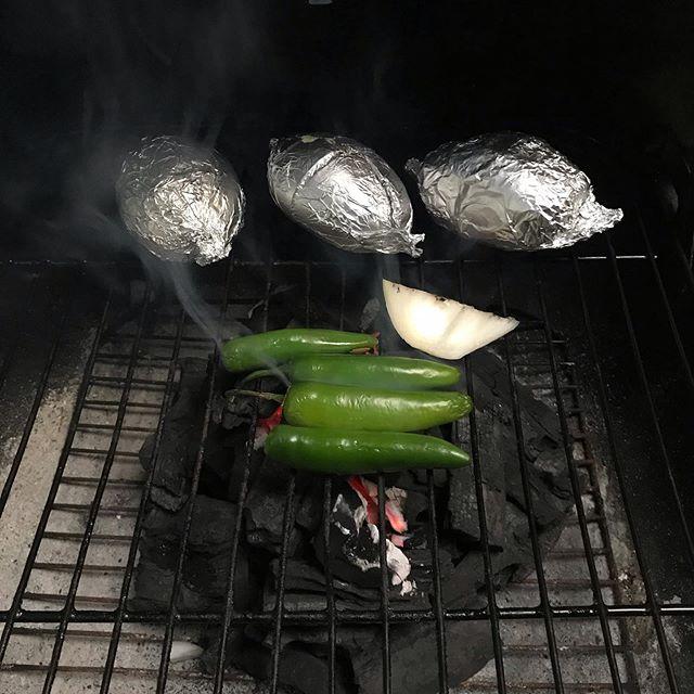 Haciendo #guacamole chingon, guacamole del bueno.